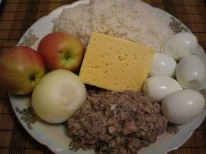 Ингредиенты для салата Мимоза с рисом и яблоками