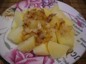 Картофель отварной с жареным луком