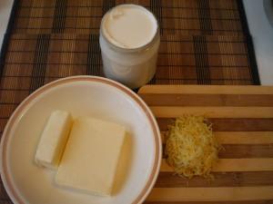 масло, сметана, цедра для теста на куличи