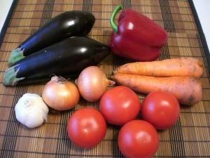 продукты для тушеных баклажанов с томатами