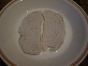 замочить хлеб в молоке на котлеты