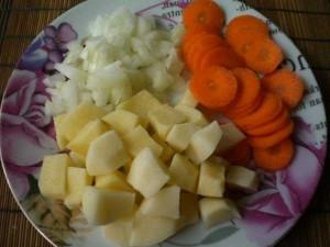картофель, лук, морковь для супа