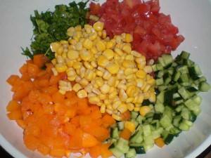 соединить продукты для салатика
