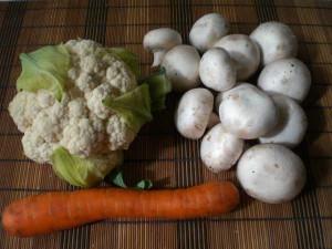 цветная капуста, грибы, морковь для супа